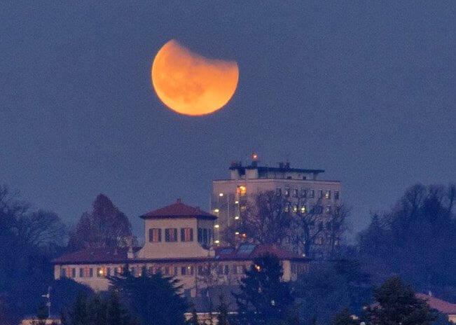 Partial Lunar Eclipse in Aquarius and Leo